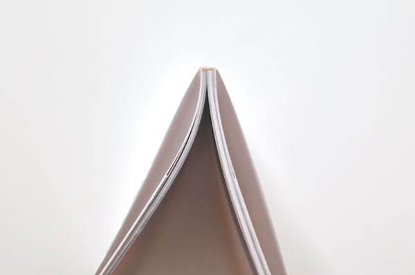 しまうまプリントのフォトブックは無線綴じ